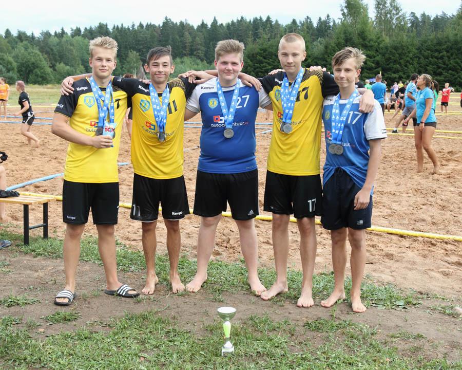 Poisid 2001 II koht Viljandi SK